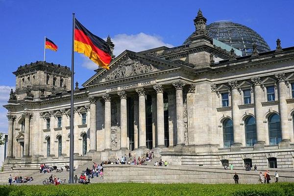 Meghosszabbították a német kormány különleges felhatalmazását